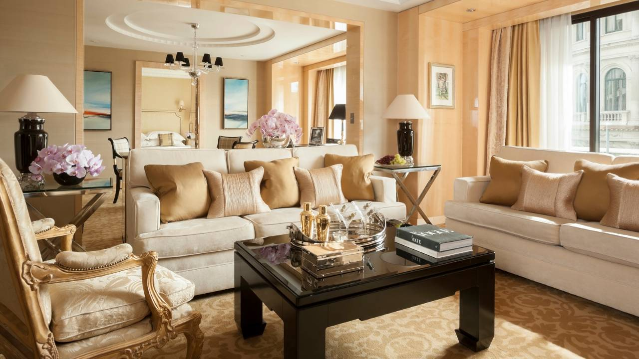 Suite at the Four Seasons Hotel London at Park Lane