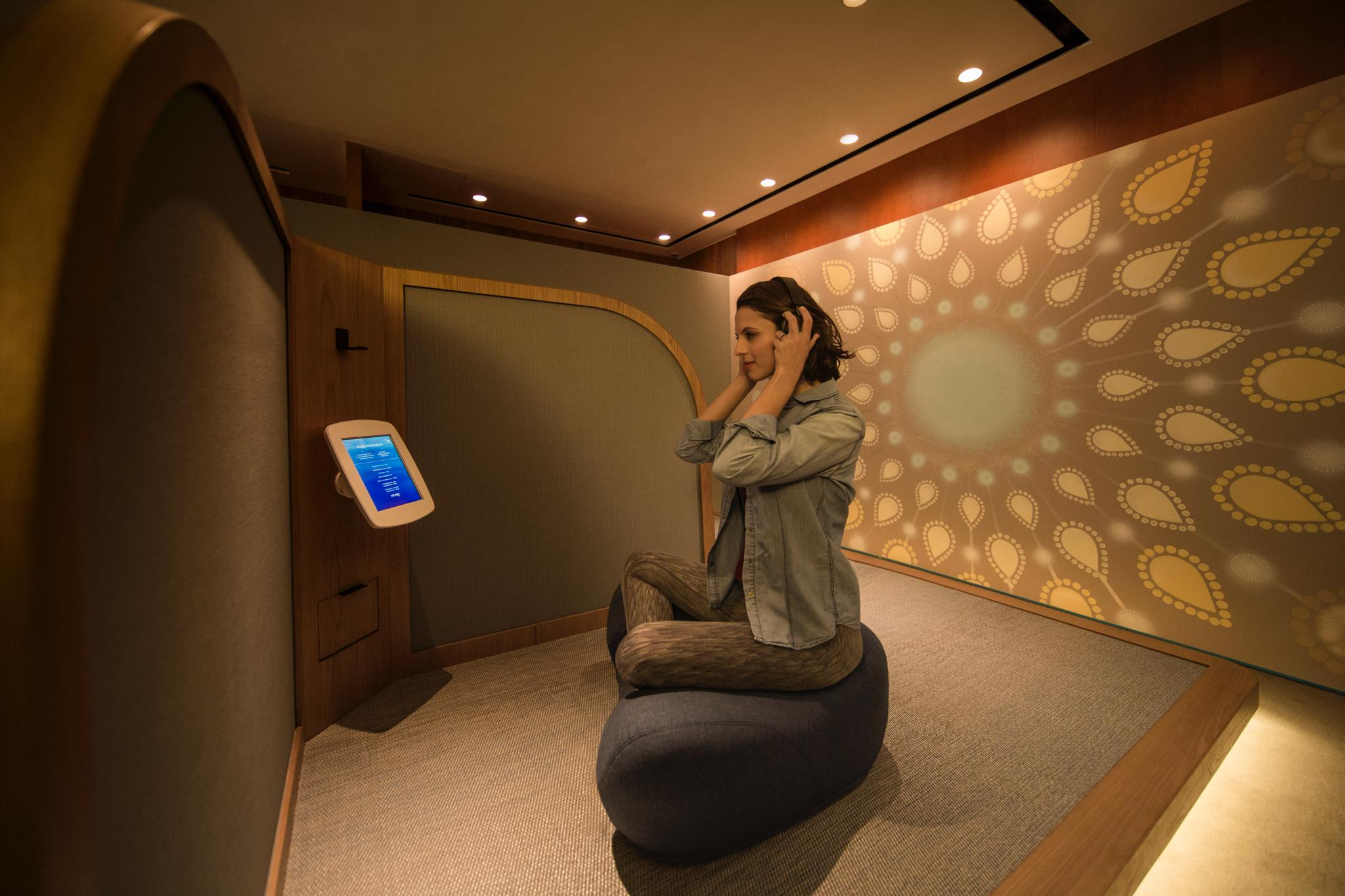 Cathay Pacific Opens Yoga & Meditation Space in Business Class Lounge