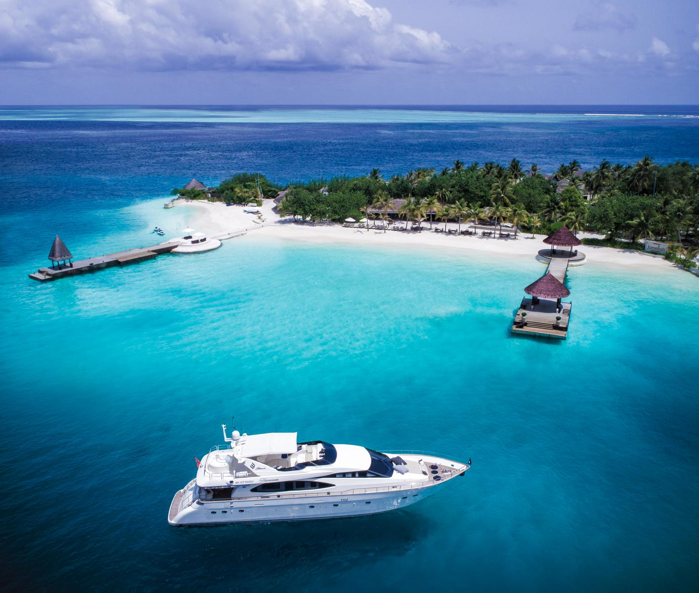 Jumeirah Vittaveli Launches Decadent Superyacht Experience