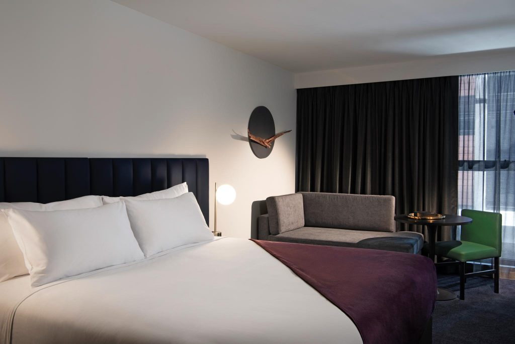 Midnight Hotel, Canberra guestroom