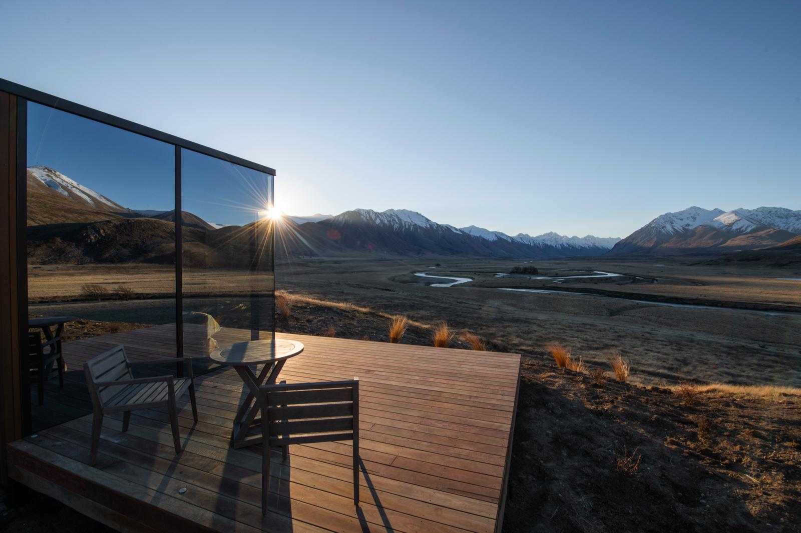 Luxury New Zealand Lodge Unveils Mirrored 'Pods'
